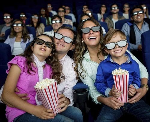 Xem một bộ phim 3D hoặc chơi video - game 3D sẽ không gây ảnh hưởng lâu dài tới thị lực của bạn.