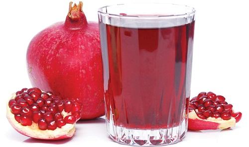 Tác dụng phụ nguy hiểm có thể xảy ra ở những người  uống nước ép lựu kết hợp với một số loại thuốc theo đơn, chẳng hạn như thuốc làm giảm huyết áp.