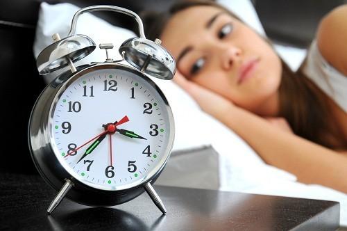 Thiếu ngủ có thể gây ra các biến chứng từ khó chịu nhẹ đến suy nhược trầm trọng.