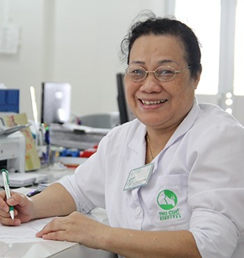 Thạc sỹ Y học, Bác sĩ CKI Nguyễn Thị Kim Trung – trưởng khoa Xét nghiệm