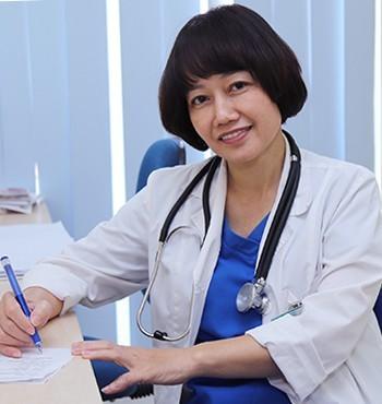 Bác sĩ CKII Nguyễn Thị Thái – trưởng khoa Răng hàm mặt