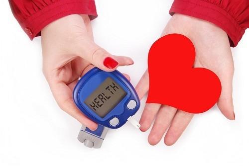 Mạch máu bị hao mòn bởi ảnh hưởng của bệnh tiểu đường sẽ làm gia tăng áp lực, khiến tim phải làm việc nhiều hơn.