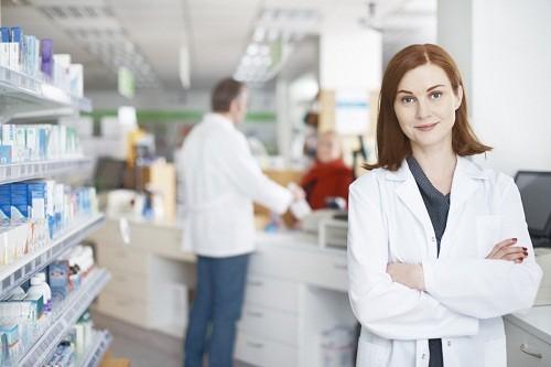 Nên tìm kiếm sự chăm sóc y tế ngay lập tức nếu đột ngột bị hoa mắt chóng mặt kèm theo các triệu chứng khác.