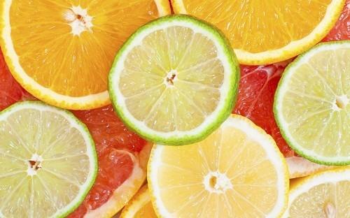 Trái cây có múi giàu vitamin C đã được chứng minh là giúp ngăn ngừa tình trạng mất xương.