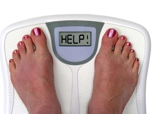 Kiểm tra cân nặng cơ thể thường xuyên giúp tránh rơi vào tình trạng giảm cân nhưng không hề hay biết
