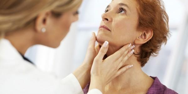 Khi có các triệu chứng nghi ngờ loạn cảm họng, nên tới ngay bệnh viện để thăm khám, xác định chính xác nguyên nhân và có hướng điều trị thích hợp.