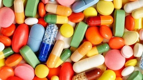 Một số loại thuốc và chất bổ sung cần uống ngay sau bữa ăn để giảm chứng ợ nóng.
