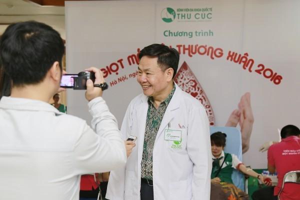 Giám đốc bệnh viện chia sẻ suy nghĩ về tầm quan trọng của hiến máu tình nguyện.