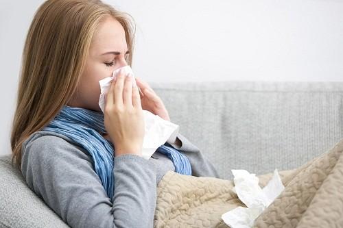 Cúm là một bệnh nhiễm trùng đường hô hấp do vi rút gây ra và dễ lây lan thành dịch, ảnh hưởng tới sức khỏe cộng đồng.
