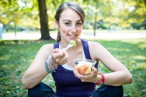 Theo lời khuyên của các bác sĩ, nên ăn trước khi bắt đầu tập thể dục ít nhất là 3 - 4 giờ, nếu là bữa nhẹ thì từ 1 - 2 giờ.