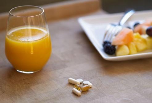 Bổ sung một số loại vitamin và khoáng chất cũng là cách hiệu quả để giảm các triệu chứng của hội chứng tiền kinh nguyệt.