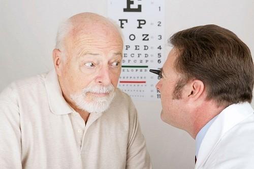 Một số nguyên nhân dẫn tới mờ mắt là rất nghiêm trọng và thậm chí có thể dẫn tới tổn thương mắt vĩnh viễn, gây mù lòa.