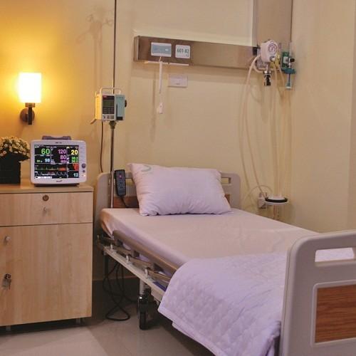 Hệ thống giường bệnh tiện nghi, hiện đại mang lại cho người bệnh cảm giác thoải mái, tự nhiên như đang ở nhà.