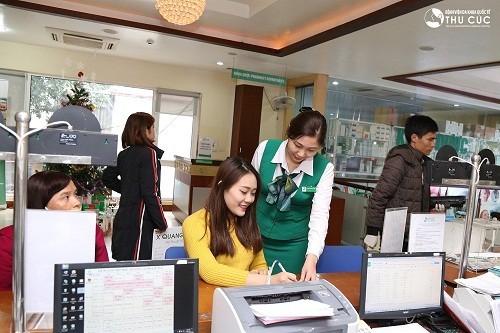 Trong quá trình thăm khám và điều trị u nang buồng trứng tại Bệnh viện Thu Cúc, khách hàng sẽ được đội ngũ nhân viên y tế hỗ trợ chu đáo, nhiệt tình.