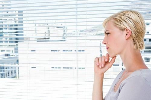 Bất kỳ thay đổi nào về sự cân bằng của các vi khuẩn trong âm đạo đều có thể ảnh hưởng tới màu sắc, mùi và kết cấu của dịch âm đạo được tiết ra.