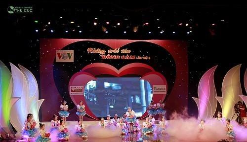 Chương trình Những trái tim đồng cảm được truyền hình trực tiếp trên kênh Truyền hình Quốc hội vào 20h00 ngày 28/5/2016