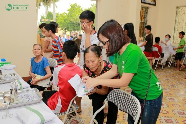 Bệnh viện Thu Cúc khám sức khỏe thiện nguyện tại Trung tâm bảo trợ LĐXH IV – Ba Vì