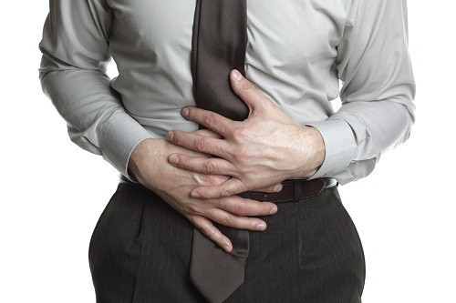 Đau bụng là một trong những biểu hiện đau ruột thừa hay gặp nhất.