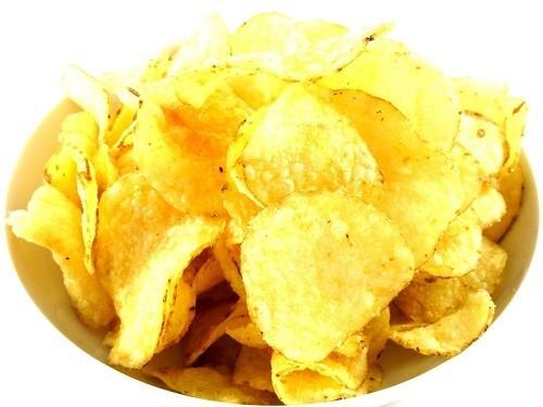 Những món ăn vặt như bỏng ngô, bim bim và bánh quy giòn cần tránh tiêu thụ ít nhất trong vòng 1 tuần đối với người vừa cắt amidan.