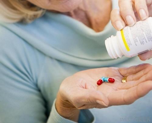 Thuốc dùng trong điều trị u xơ tử cung tác động vào nội tiết tố điều tiết chu kỳ kinh nguyệt của người bệnh, làm giảm triệu chứng như chảy máu kinh nguyệt nặng và khó chịu ở vùng chậu.