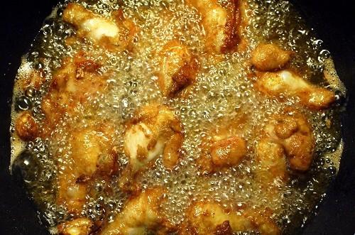 Người mổ ruột thừa nên kiêng các loại thức ăn giàu chất béo.