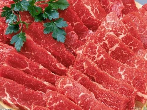 Thịt đỏ là loại thực phẩm không được khuyến khích cho những chị em có u xơ tử cung.