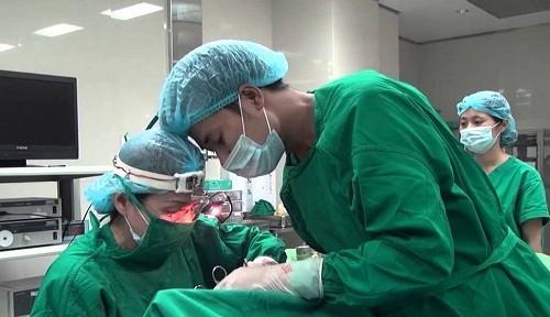 Phẫu thuật cắt amidan là cách chữa amidan hốc mủ hiệu quả khi bị bệnh