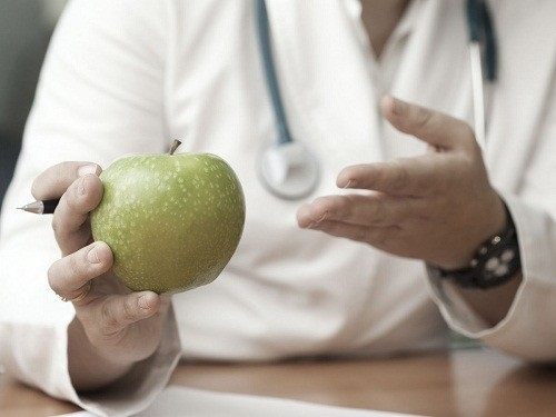 Một trong những cách chữa viêm đại tràng co thắt đơn giản là thay đổi chế độ ăn uống.