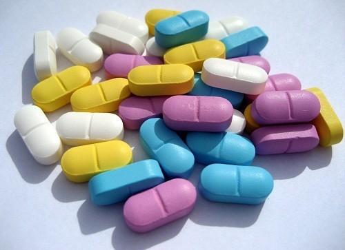 Cách chữa viêm đại tràng co thắt bằng thuốc được áp dụng cho các đối tượng có triệu chứng bệnh nghiêm trọng.