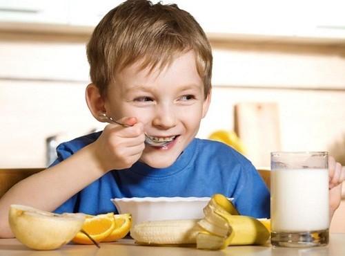 Người bệnh cần được ăn những thực phẩm mềm, lỏng, dễ nuốt, giàu vitamin...