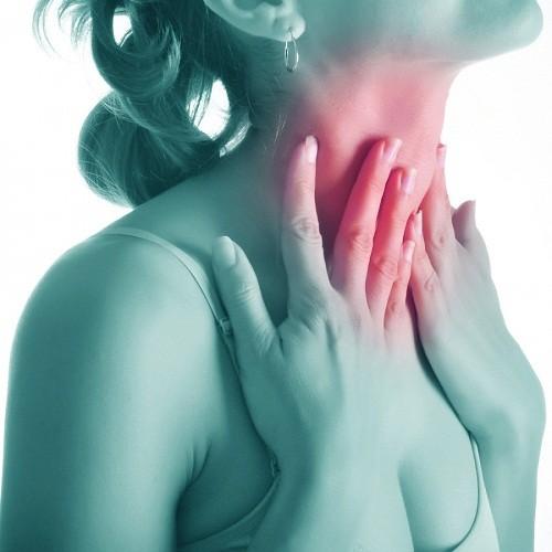 U tuyến giáp là tăng trưởng bất thường ở tuyến giáp nằm ở phía trước cổ.