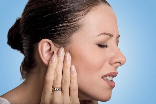 Tới bệnh viện để kiểm tra ngay khi có dấu hiệu đau khi nhai hoặc ăn, có khối u ở trong miệng, dưới hàm hoặc cổ.