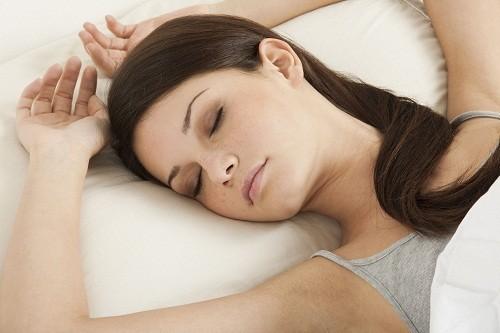 Sau khi mổ thông tắc vòi trứng, người bệnh nên dành thời gian nghỉ ngơi hợp lý.