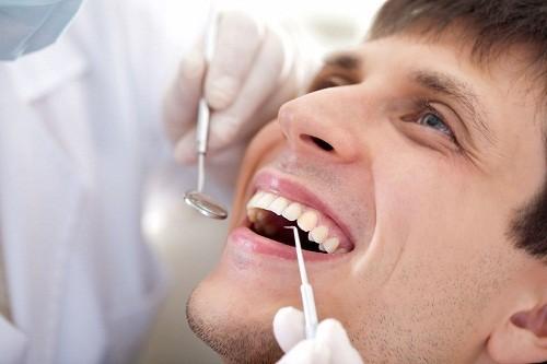 Khám nha khoa định kỳ và điều tri sâu răng kịp thời là cách tốt nhất để tránh bị áp xe răng.