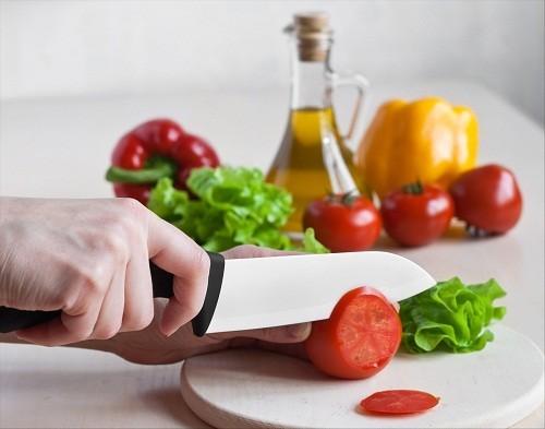 Một chế độ ăn uống lành mạnh sẽ cung cấp đầy đủ chất dinh dưỡng, giúp đẩy nhanh quá trình phục hồi sau phẫu thuật tuyến giáp.