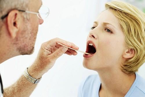 Có nhiều phương pháp y tế được sử dụng trong điều trị polyp họng.