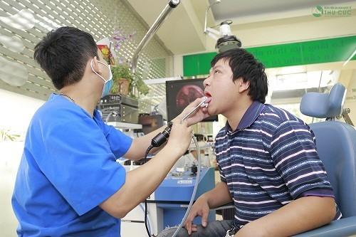 Người bệnh cần đi khám để được tư vấn, chữa trị hiệu quả các bệnh lý về tai mũi họng
