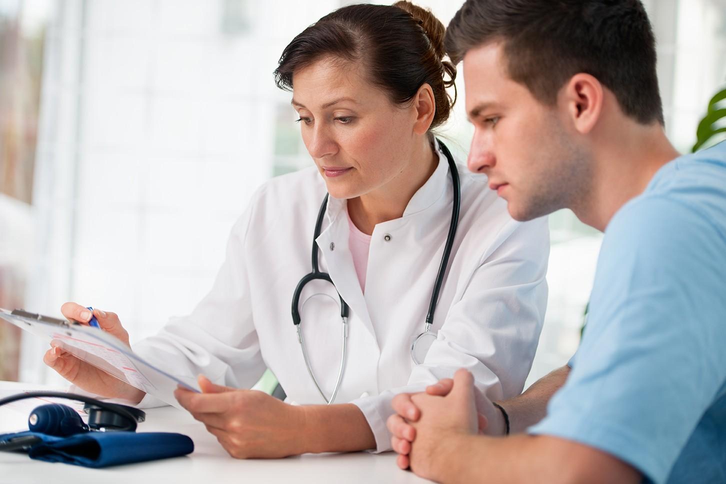 Đau tức tinh hoàn cần được khám và điều trị sớm để tránh những biến chứng xấu cho sức khỏe.