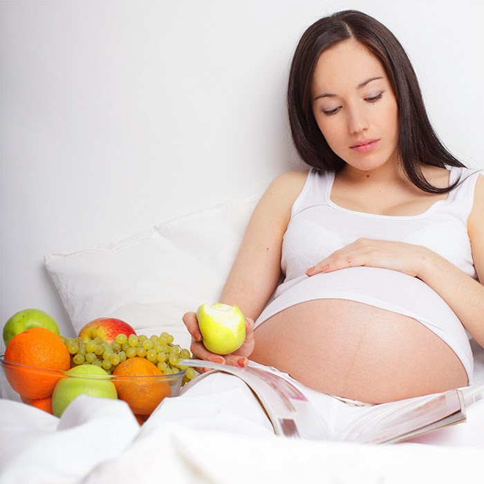 Cách giúp mẹ bầu ngăn ngừa rạn da khi mang thai2