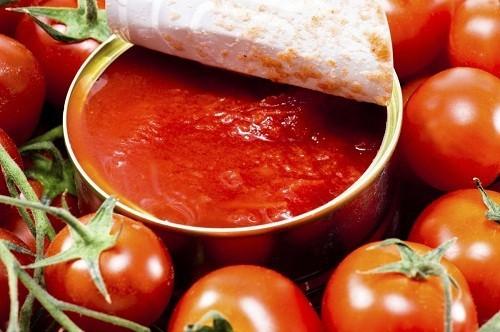 Sau phẫu thuật dây thanh quản nên hạn chế các thực phẩm có tính axit như cà chua.