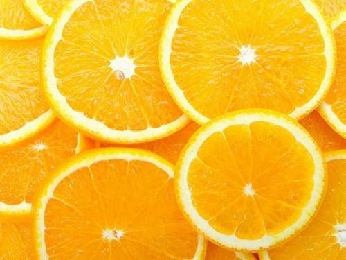 Những người bị thoái hóa điểm vàng liên quan đến tuổi có thể làm giảm nguy cơ mất thị lực không phục hồi bằng cách sử dụng kết hợp nhiều loại vitamin trong đó có vitamin C.
