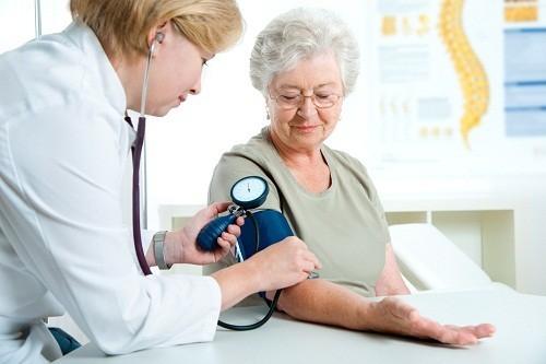 Cao huyết áp là nguyên nhân thường gặp thứ hai dẫn đến suy thận.