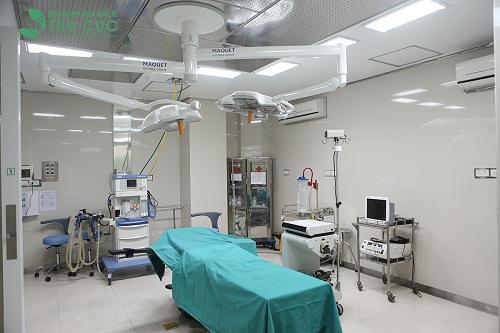 Hệ thống phòng mổ vô khuẩn một chiều, tân tiến, hiện đại bậc nhất, đảm bảo phẫu thuật an toàn, hạn chế tối đa biến chứng.
