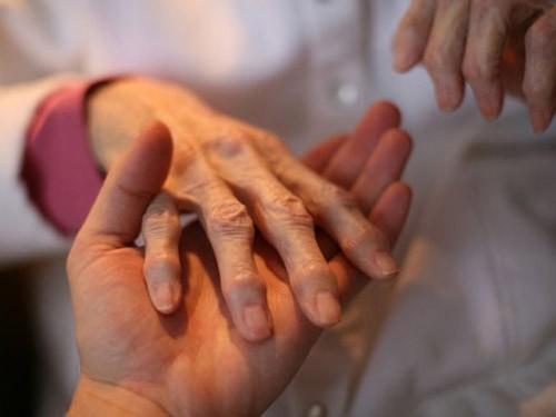 10-15% bệnh nhân viêm khớp dạng thấp bị tàn phế