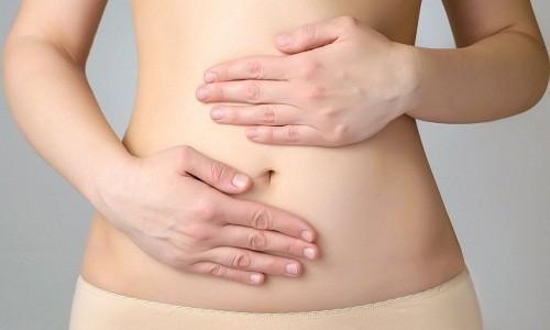 Sau phẫu thuật, người bệnh có thể sẽ cảm thấy hơi đau ở vết rạch. Để giảm bớt khó chịu, bác sĩ sẽ chỉ định sử dụng thuốc giảm đau.