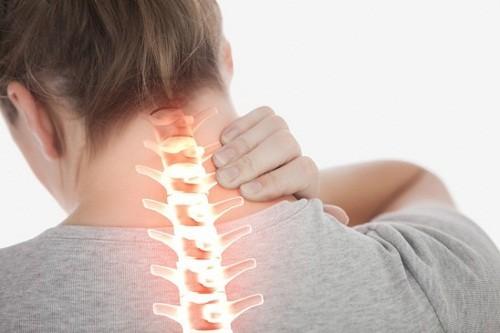 Thoát vị đĩa đệm cũng là một trong những nguyên nhân có thể gây đau cổ