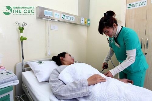 Sau phẫu thuật cắt tử cung, người bệnh sẽ được theo dõi và chăm sóc chu đáo bởi đội ngũ nhân viên y tế của bệnh viện, hỗ trợ phục hồi nhanh chóng.