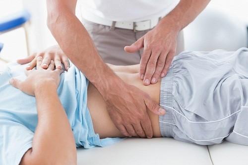 Phẫu thuật cắt bỏ u xơ tử cung có thể được thực hiện theo một trong 3 kỹ thuật: nội soi, mổ hở hoặc nội soi tử cung.