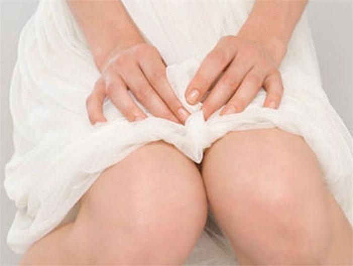Chị em phụ nữ nên tầm soát ung thư buồng trứng.