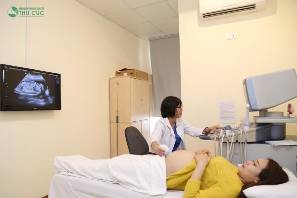 Khám thai định kỳ để biết thai nhi có đang phát triển bình thường hay không